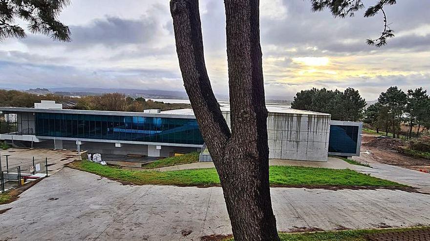 El nuevo laboratorio de Pescanova hace olvidar la vieja imagen de Insuíña