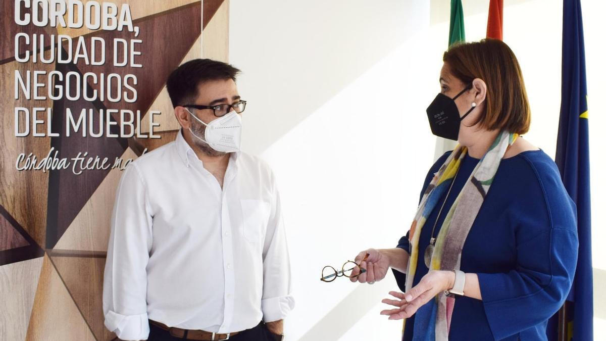 Enrique Fernández (Uniema) y Blanca Torrent (Imdeec).