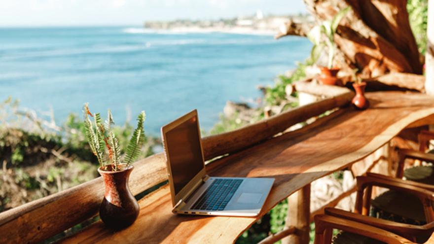 Desconexión digital en vacaciones: Un derecho más que necesario