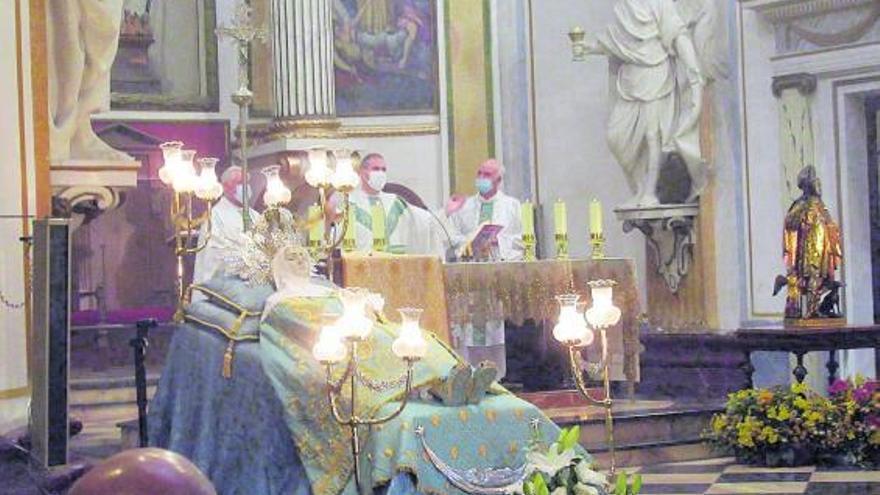 Misa de la Asunción sin procesión en Burjassot