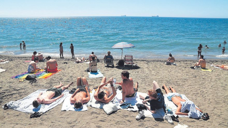 El repunte turístico permitirá a Málaga crecer este año por encima de la media nacional y andaluza