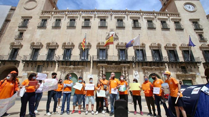 """Las AMPAs ponen de manifiesto """"el boicot de Barcala a la escuela pública"""""""
