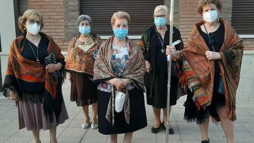 Las ritas de Villaralbo, con mantón y mascarilla
