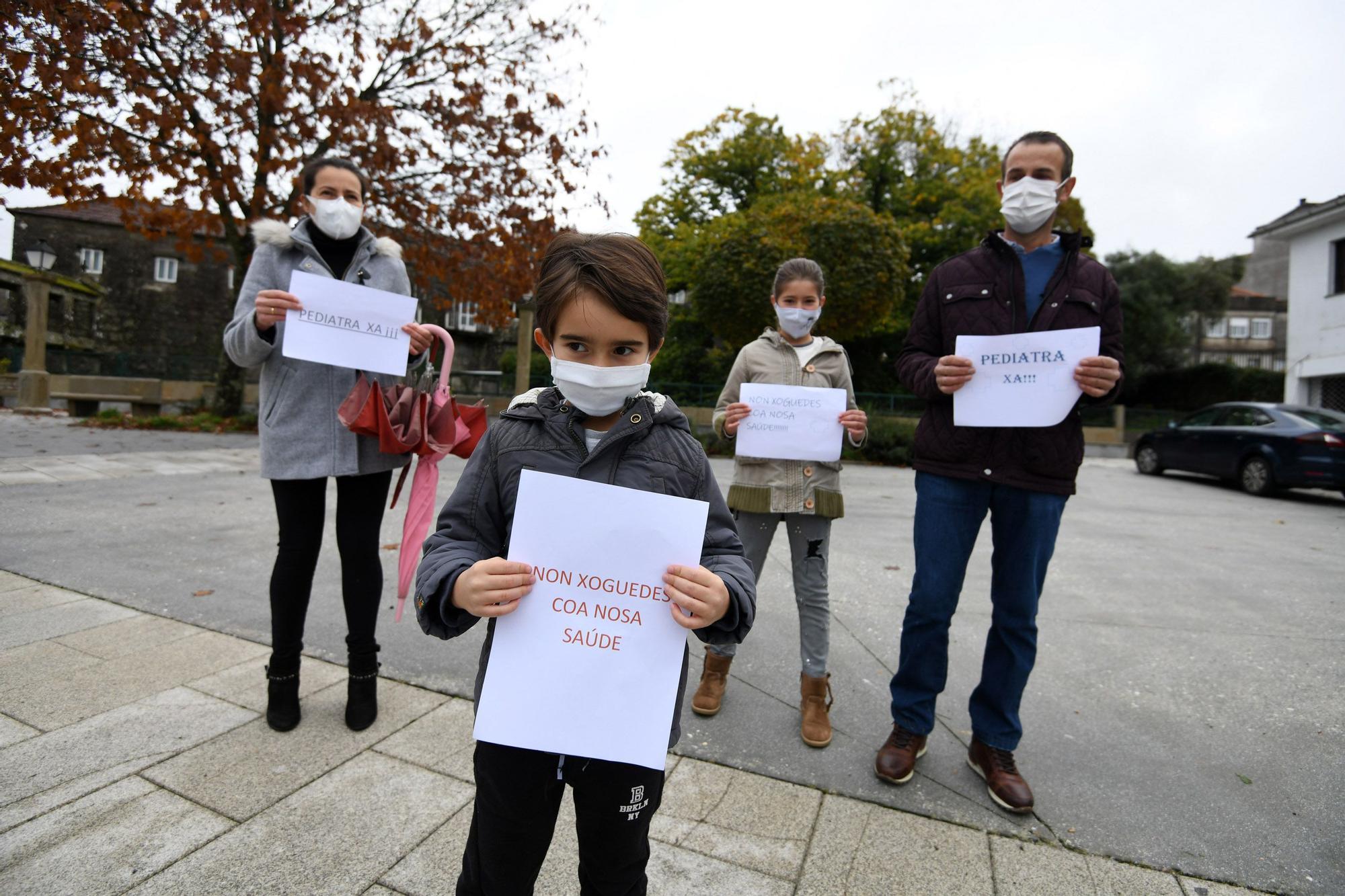 Los participantes en la manifestación.