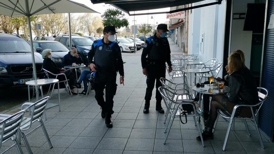 El fin de semana se salda con presión policial a la hostelería pero solo multas por el cierre perimetral