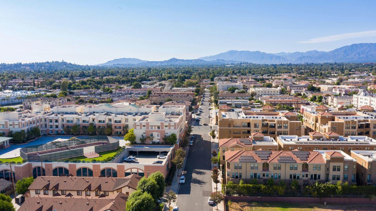 En California existe una ciudad que se llama Alhambra.