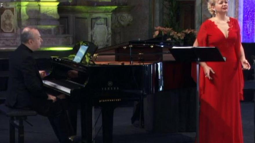 La parella bagenca Mireia Pinto i Vladislav Bronevetzky actuen al Festival de Pasqua de Cervera