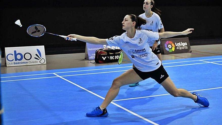 LA NUEVA ESPAÑA te invita a conseguir dos entradas para el partido del Badminton Oviedo y una camiseta del equipo