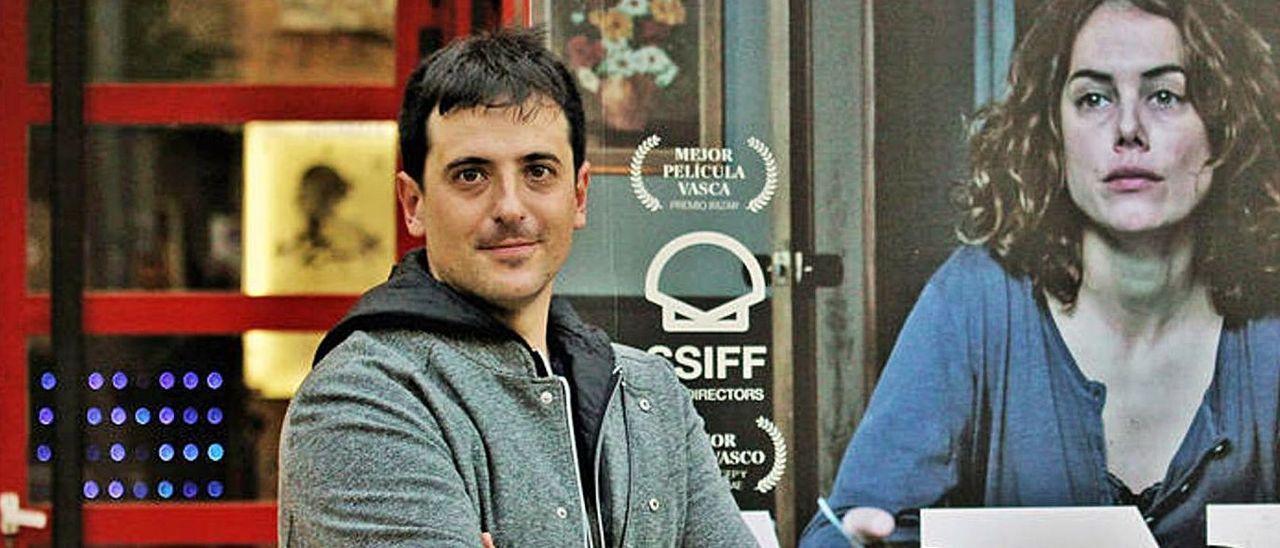 El director de cine David Pérez Sañudo, en un acto promocional de su película Ane.
