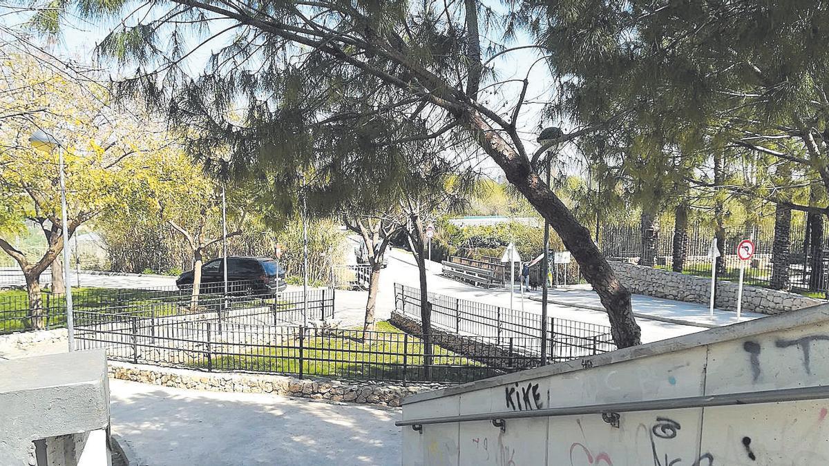 Uno de los accesos al parque fluvial del Turia en Quart de Poblet.