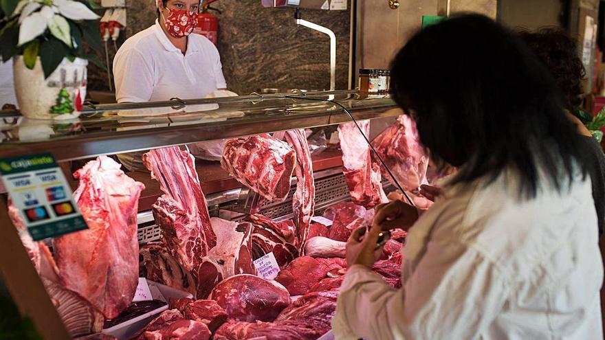 Las restricciones por la Covid rebajan  el precio de la cena de Nochebuena