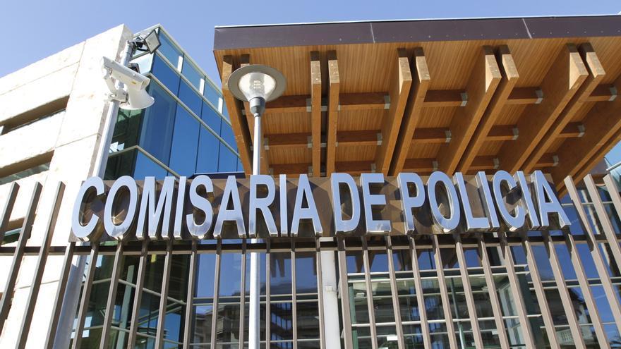 Buscan al conductor de un coche que intentó arrollar a una motorista en Ibiza
