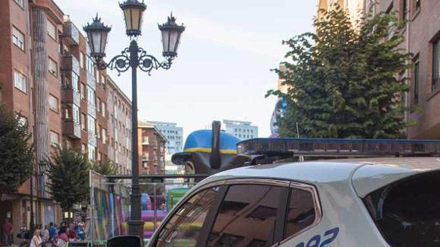 """La Policía pide que sus jefes cubran las bajas con horas extra """"como hacen los de Bomberos"""""""