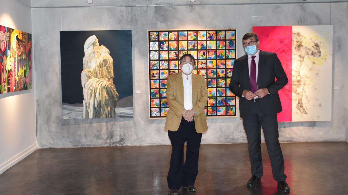 Manuel Muñoz Ibáñez, presidente de la Real Academia de Bellas Artes de San Carlos, y Pau Pérez Rico, Director Regional de Comunicación y Relaciones Institucionales de El Corte Inglés.