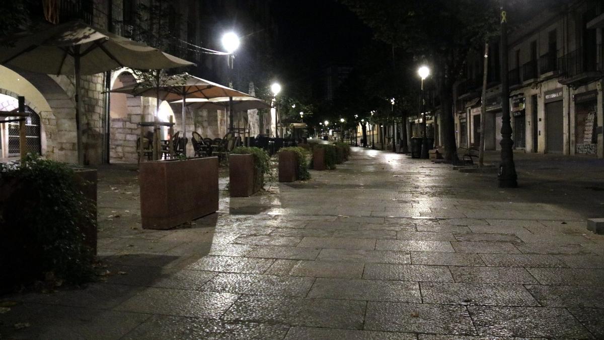 La Rambla de Girona, durant el toc de queda