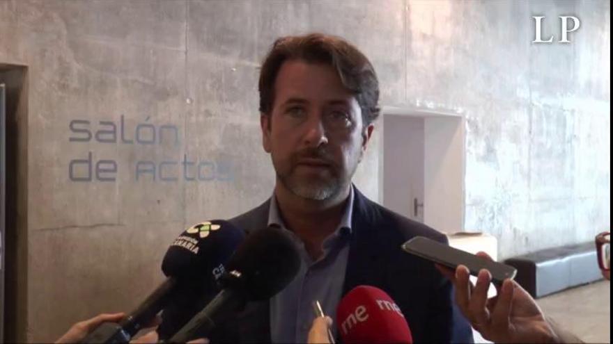 """Alonso (CC) consigue la """"garantía"""" de PP y Cs de que no habrá moción de censura en el Cabildo de Tenerife"""