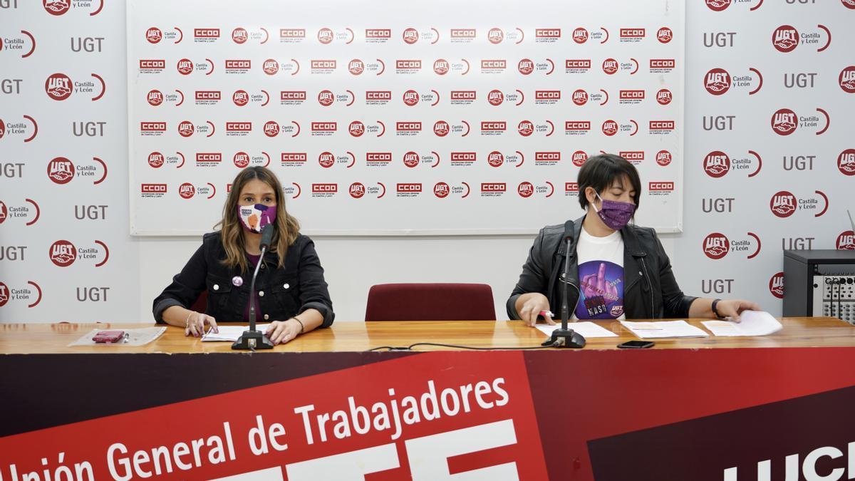 Ana Isabel Martín, secretaria de Igualdad y Juventud de UGT, y Yolanda Martín, secretaria de Mujer y Políticas de Igualdad de CC OO, durante la rueda de prensa de hoy.