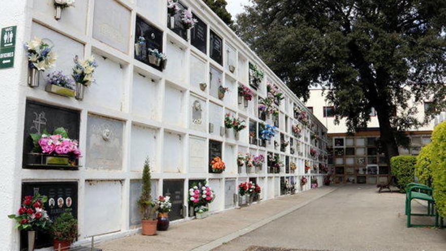 El Govern acorda poder intervenir els serveis funeraris