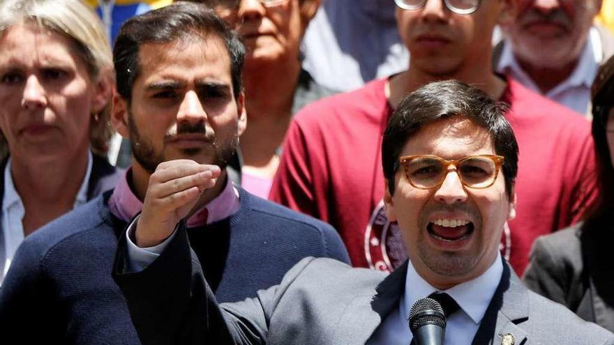 El Parlamento venezolano planea destituir a los jueces que asumieron el Legislativo