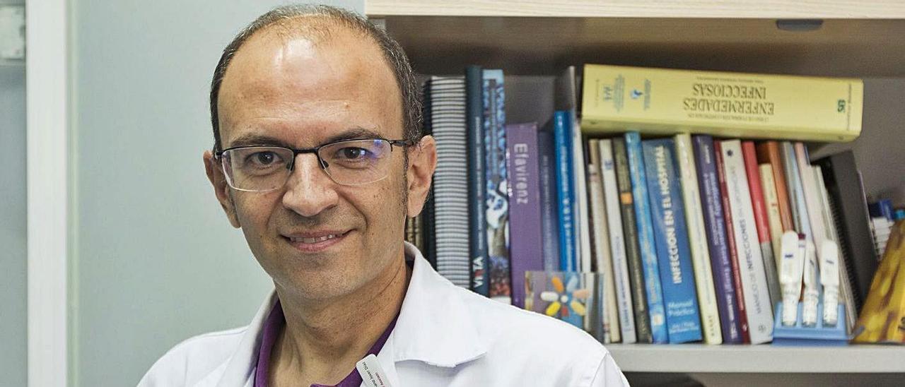 Francisco Jover es jefe de Enfermedades Infecciosas del Hospital de Sant Joan.