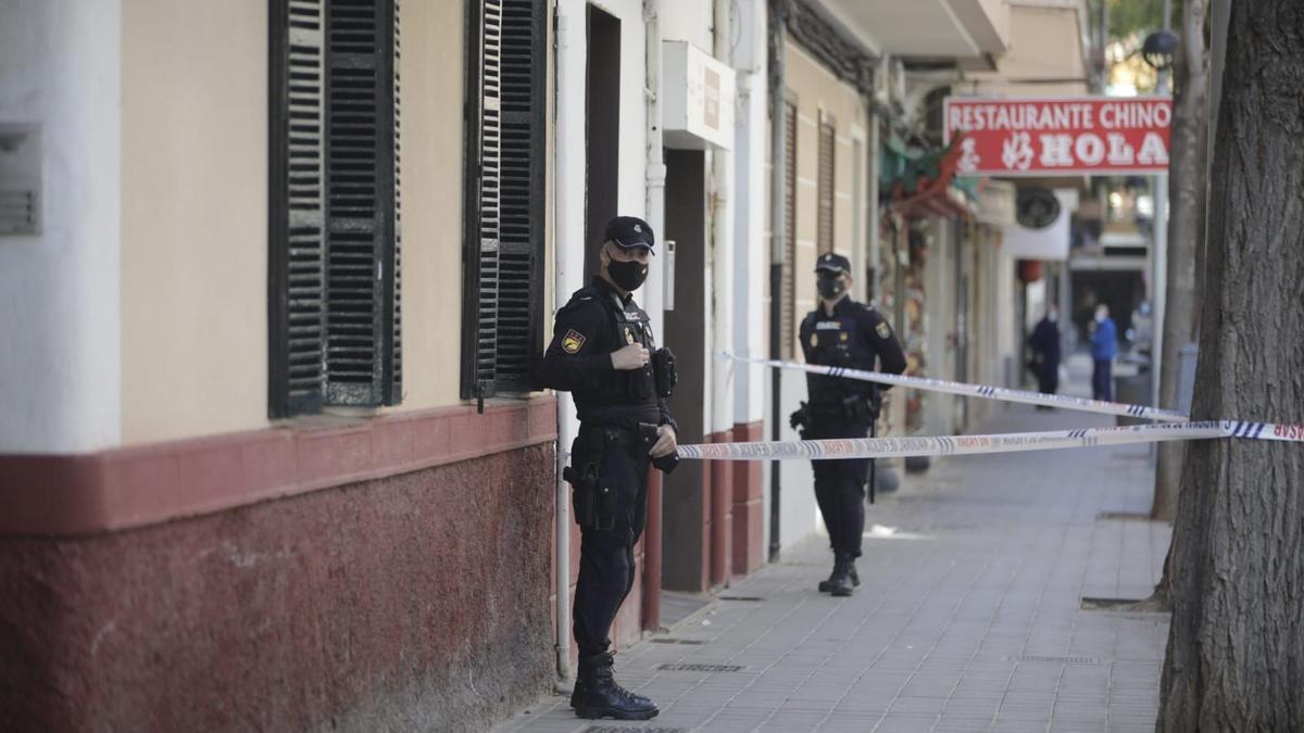 Detenida una mujer por apuñalar a otra en el pecho en plena calle de Palma