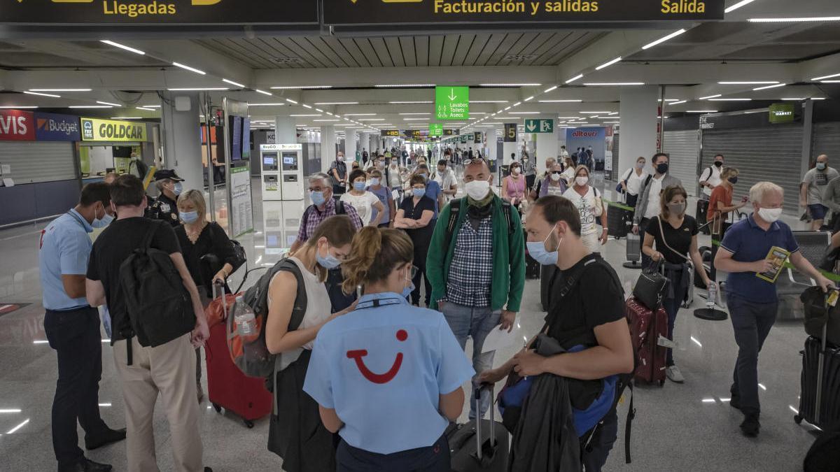 TUI y Jet2 cancelan sus vuelos hacia Baleares