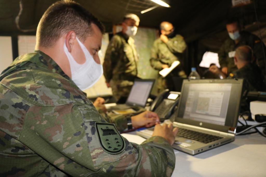 Ejercicio de planeamiento y conducción de operaciones en Zaragoza de la Brigada Canarias XVI