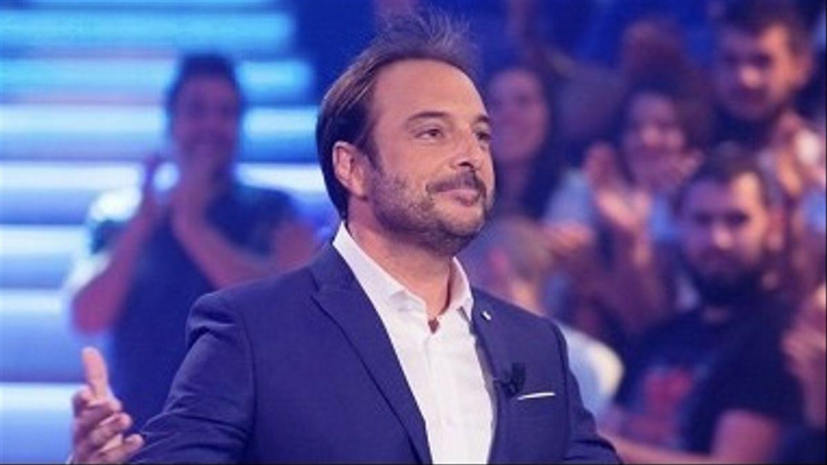 El presentador Roberto Villar