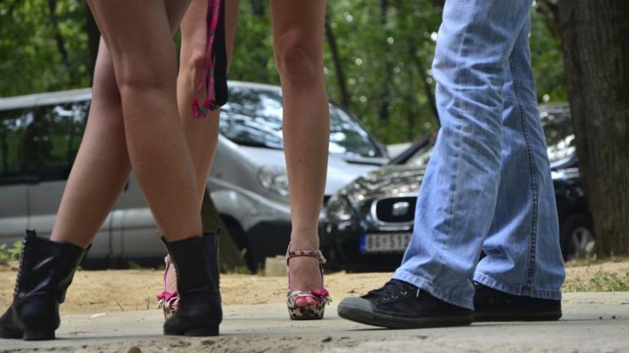 La pandemia también agrava la situación de casi 500 prostitutas en Málaga