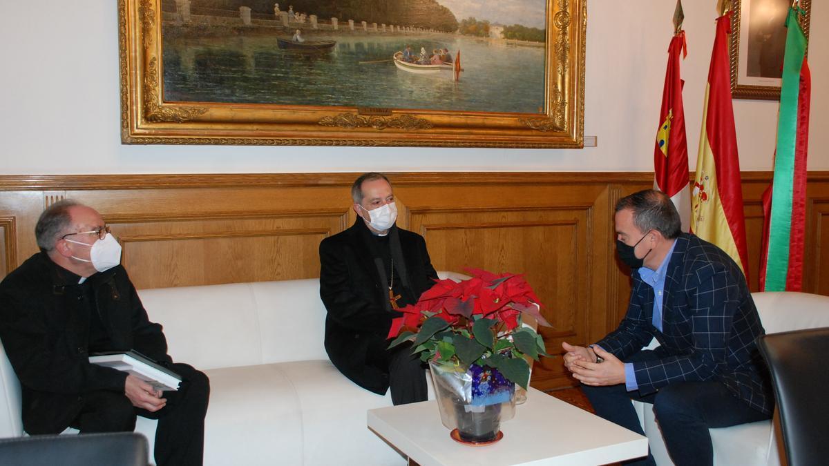 El nuevo obispo de Zamora, con Requejo