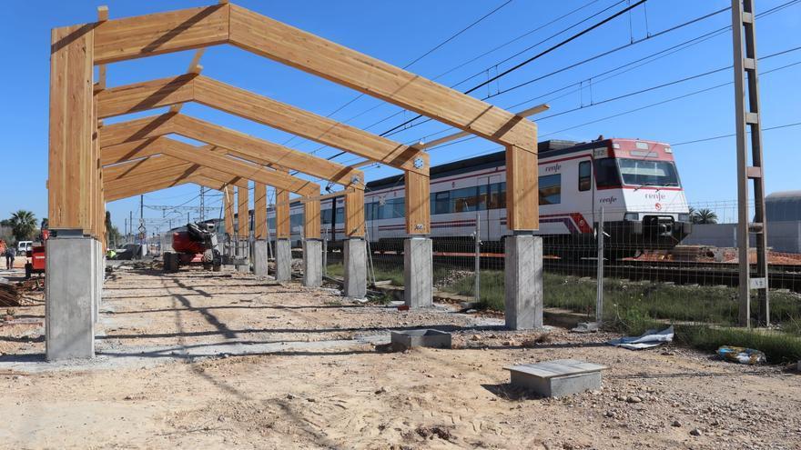 En marcha la construcción de la cubierta de los edificios de la estación de Albal