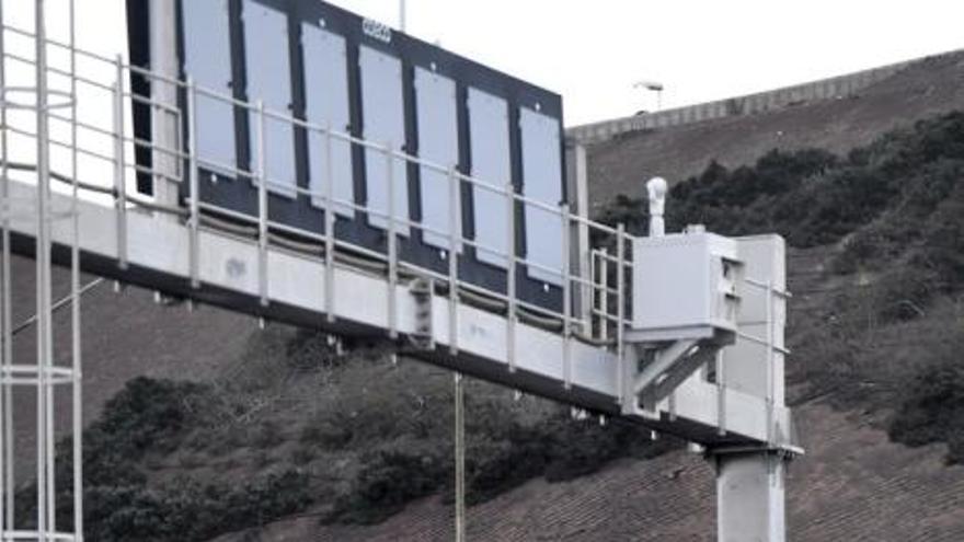 Radar frente al Centro Comercial El Mirador