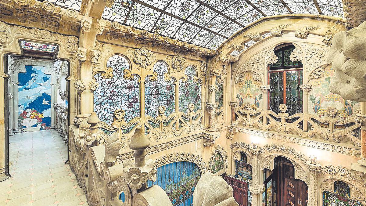 La Costa Daurada contiene escenarios que fueron fuente inspiradora de genios universales con La Casa Navàs es una de las joyas modernistas de Reus.