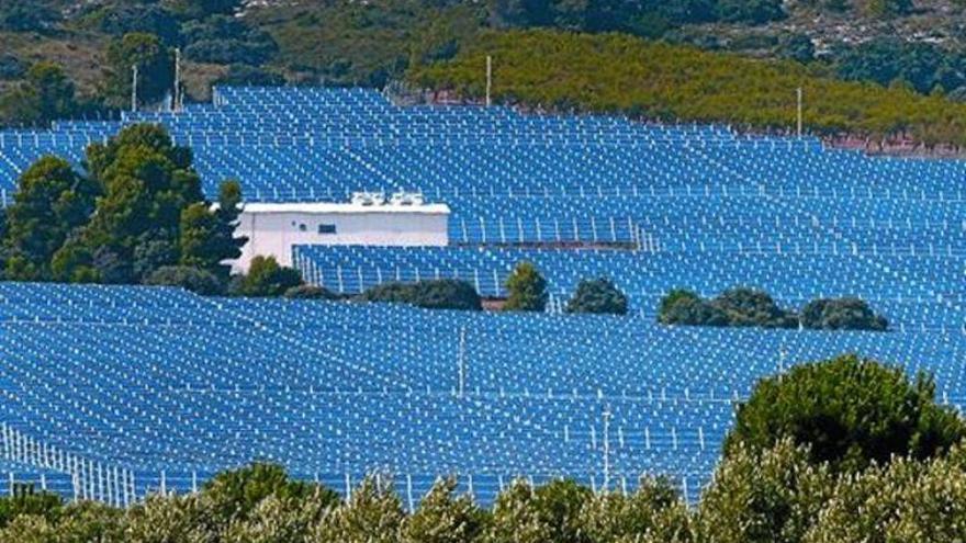 El Toro confía en la megaplanta solar para generar empleo en la comarca