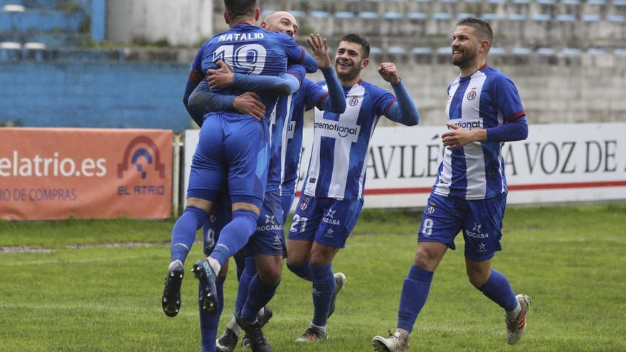 Todas las imágenes de la jornada de Tercera División en Asturias