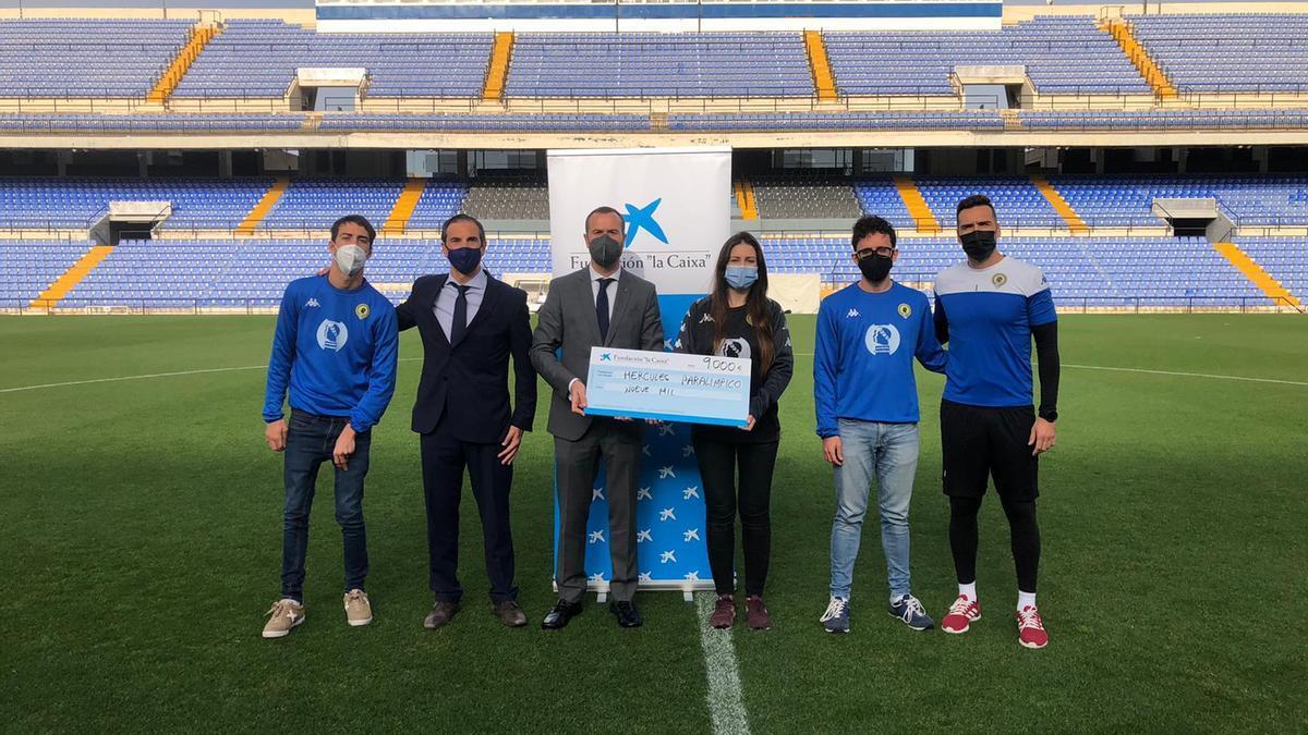 El fútbol adaptado del Hércules C.F. de Alicante agrupa a deportistas con diferentes capacidades.