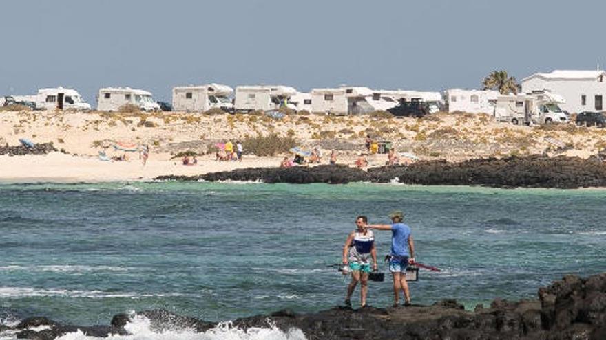 Herido al caer a una zona de rocas en Fuerteventura