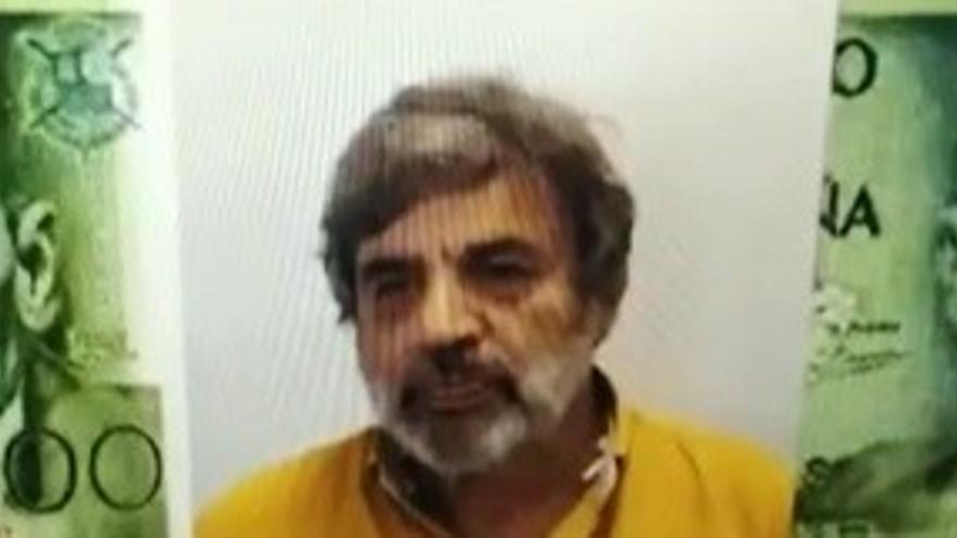 La Escuela de Arte da vida a Benito Pérez Galdós con un billete de 1.000 pesetas (making of)