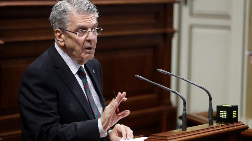 """Pérez dice que la migración """"es responsabilidad de todos"""" y defiende la actuación del Ejecutivo"""