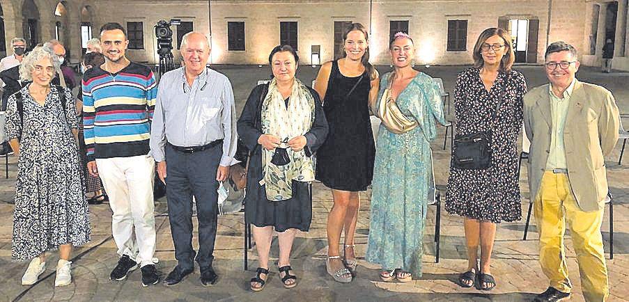 Magdalena Gelabert, Iván Sevillano, Jaume Riera, Mae de la Concha, Louise Martens, Lina Amengual, Jerònima Bonafé y Joan Mayol.