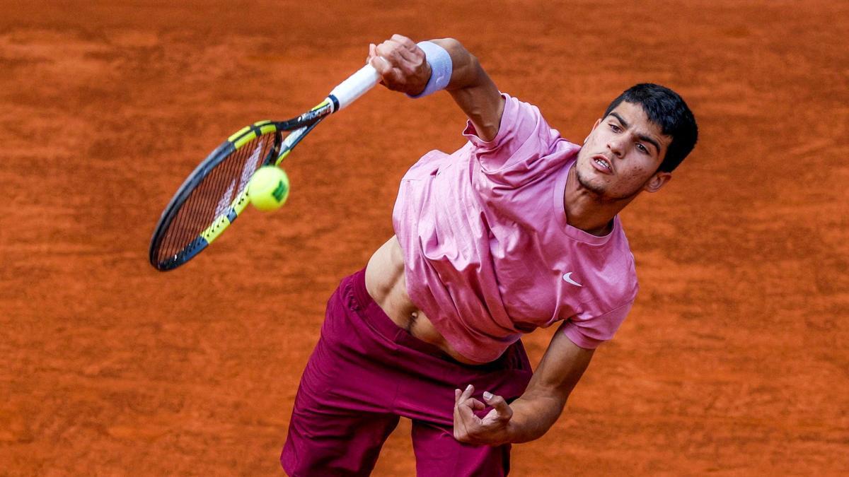 Carlos Alcaraz, en su partido ante Adrian Mannarino.
