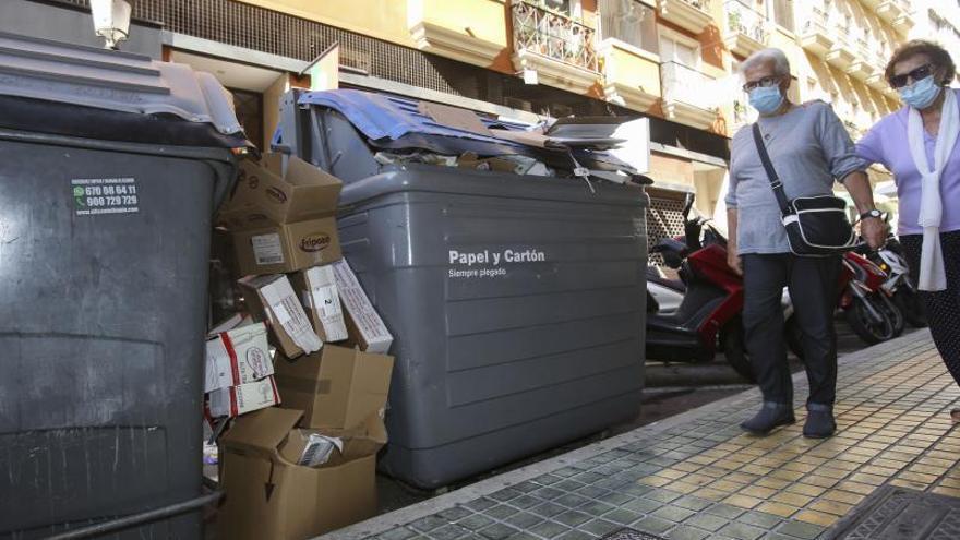 Solo un 5% de la basura que llega a la planta de Fontcalent está limpia de papeles, vidrio y envases