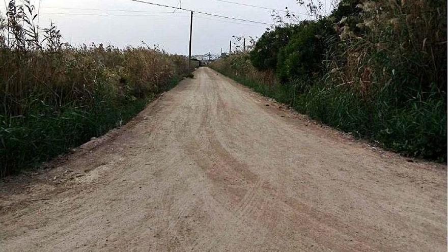 Vila acondiciona dos caminos rurales en ses Feixes y Talamanca