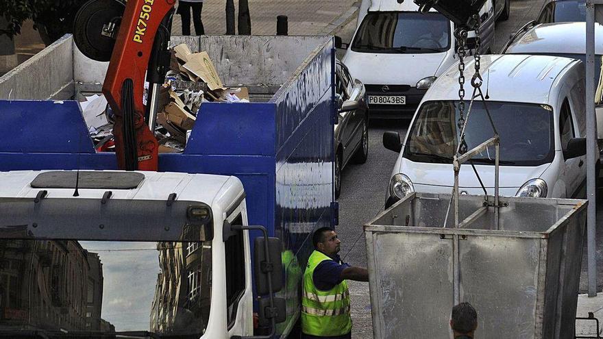 A Estrada avanza para consolidar la apuesta por la privatización de su recogida de basura