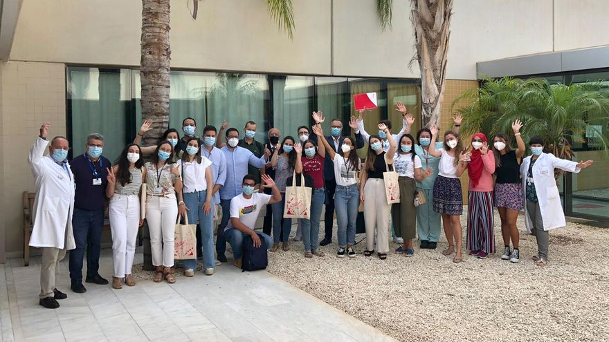 El departamento de salud de Torrevieja recibe a 19 médicos y enfermeros residentes