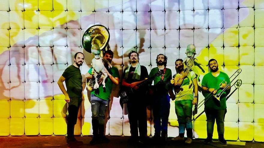 Keroxen lanza 'Infame golpazo', un disco de grandes éxitos de Los Pirañas