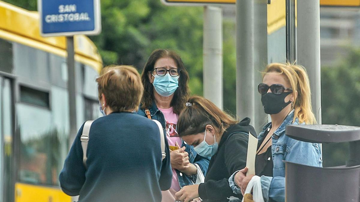 A group of women with masks in Las Palmas de Gran Canaria.      