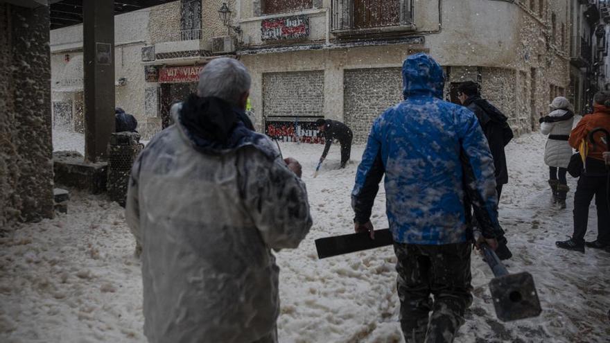 VÍDEOS | La força del mar engoleix els carrers de Tossa de Mar