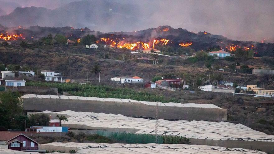 El volcán de La Palma ha arrasado ya más de 2.000 edificaciones y la lava ocupado casi 900 hectáreas