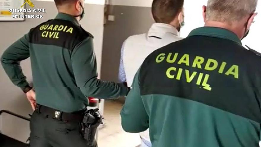 Detenido un hombre por tratar de atropellar a su víctima tras robarle en Sant Joan